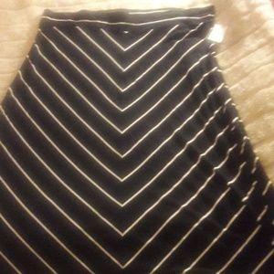 Ava and Viv Black and White Skirt 4x 28/30